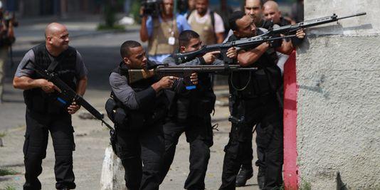 1445157_3_81a2_la-police-militaire-a-investi-jeudi-avec-six