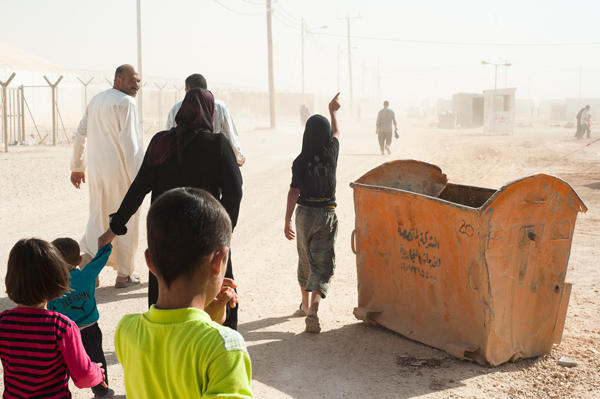 Sacha Petryszyn - Intervenir dans les camps de réfugiés est «insuffisant puisque la majorité des populations sous le feu sont en Syrie» (Médecins du monde)