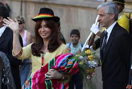 Cristina Kirchner (g) et Alvaro Linera (d) en 2010