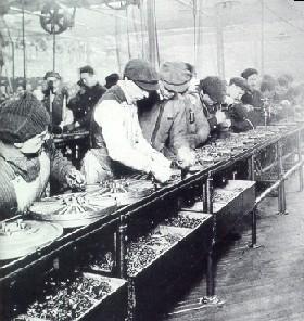 Ligne de montage Ford, en 1913