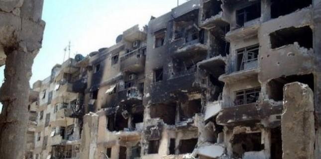 4331825-syrie-a-homs-les-tanks-bombardent-jour-apres-jour
