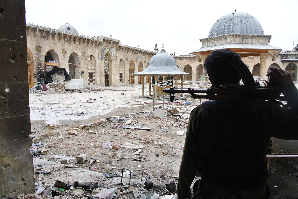 Inside the 'Great Mosque' with Syrian Rebels – Aleppo