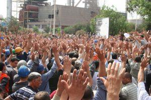 Grève des travailleurs d'Arcelor Mittal, en Algérie, en 2011, contre le statut lié à la sous-traitance