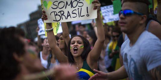 Brésil. Le 17 juin 2013 est déjà entré dans l'histoire (Al'e) dans International 3432418_3_7a85_manifestation-de-soutiens-aux-bresiliens-a50fd6e79f77ee59ed100c72a56f6faed