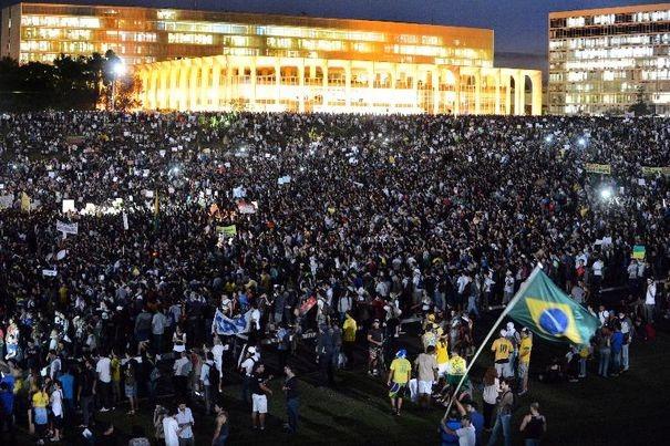 Manifestation le 20 juin 2013 à Brasilia