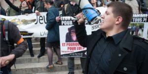 Membres de Civitas, avec une présence affirmée des «Jeunesses nationalistes - L'action sans concession», Place de l'Opéra, le dimanche 26 mai 2013