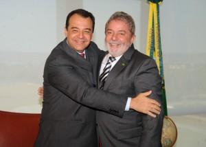 Sergio Cabral, réélu gouverneur de l'Etat de Rio de Janeiro, avec son ami Lula, lors de l'élection de Dilma Rousseff en octobre 2010