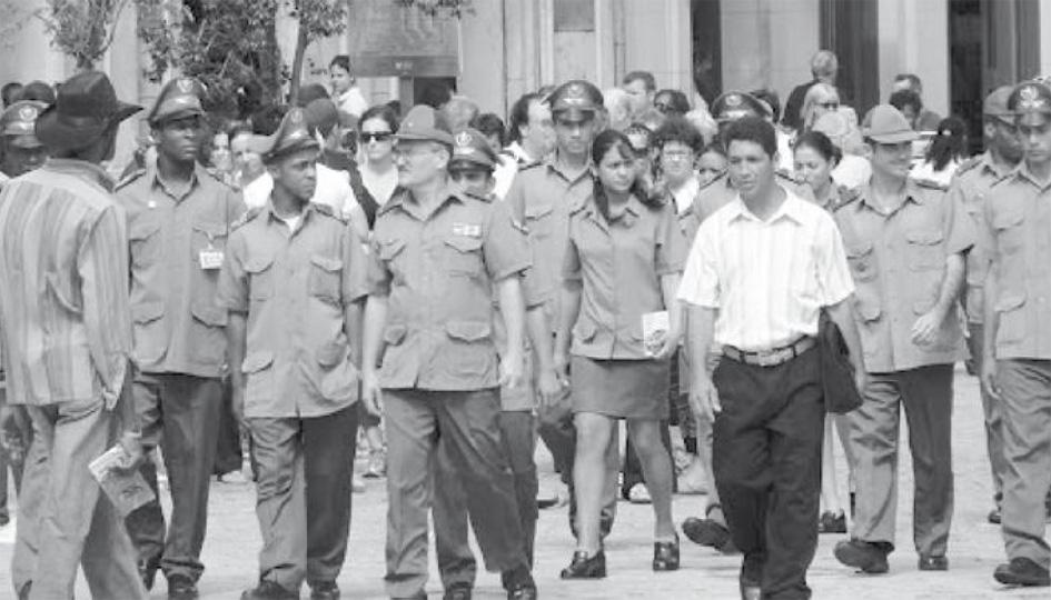 Photo publiée dans l'article en première du site web: «Las Fuerzas Aramadas y el futuro de Cuba» par Lenier Gonzales Mederos, en janvier 2013