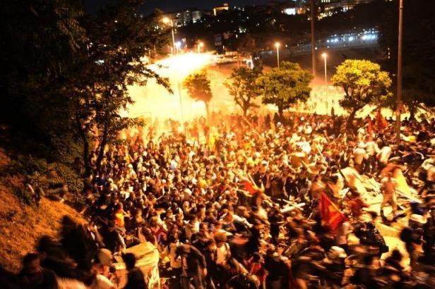 Istanbul, le 5 juin: la manifestation ne faiblit pas...