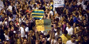Manifestation à Niteroi, à 10 kilomètres de Rio, le 19 juin 2013