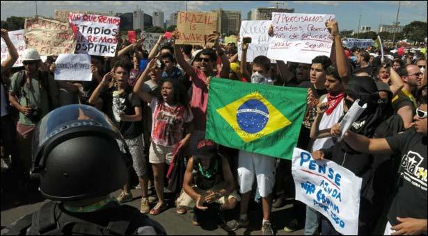 sports-football-confedcup-brazil-protests_6-18-2013_105775_l