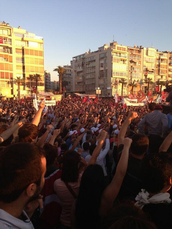 Des manifestations massives et pacifiques