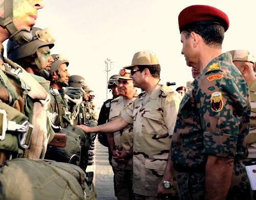 Le 13 juin 2013, Al-Sissi passait ses troupes en revue...