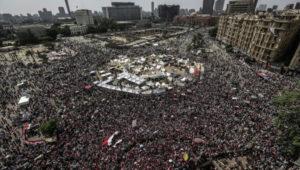 Manifestation place Tahrir, le 2 juillet 2013: «Qui décidera, quoi?»
