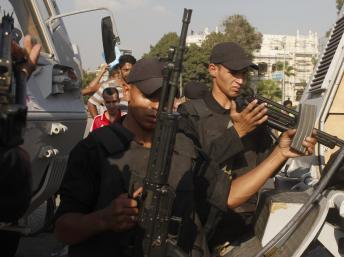 Les positions de l'armée renforcées au Caire en vue des manifestations au Caire, le 26 juillet 2013