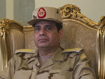 Le général Al-Sissi lance un appel à la mobilisation pour le vendredi 26 juillet 2013, soutenu par le Front de salut national, pour étayer la «légitimité» du CSFA