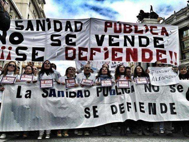 «La Marée blanche» à Madrid pour la défense du service public de santé