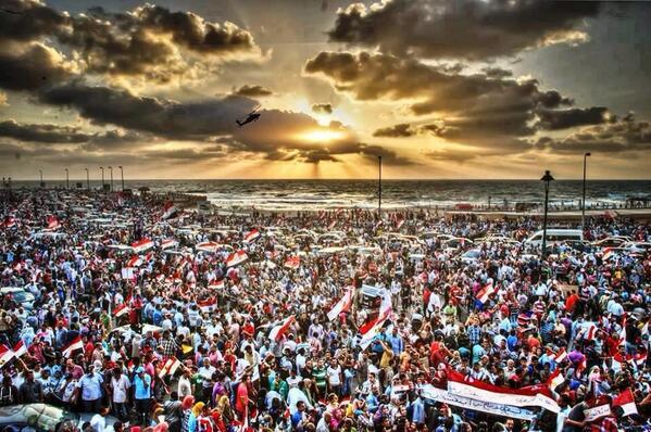Photo des manifestants à Alexandrie à 20h00. La mer va-t-elle s'ouvrir pour les manifestants qui traverseront la méditerranée?