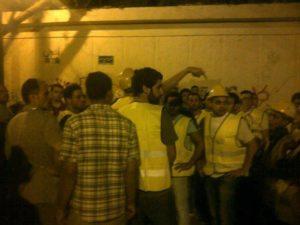 En jaune les Tahrir Body guard, ou les volontaires anti harcélement des femmes, et pas une milice anti Morsi comme dit France Info