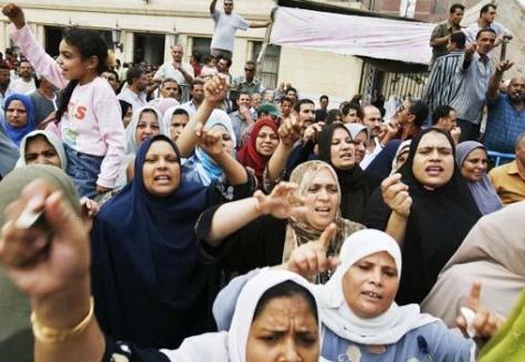 Otobre 2007, 20'000 travailleuses et travailleurs en grève dans le textile dans la ville du Delta du Nil: Al Mahalla Al Kubra