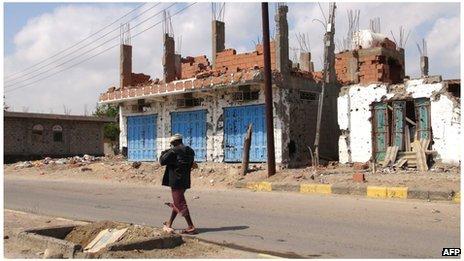 Maison détruite à Zinjibar au sud du Yémen