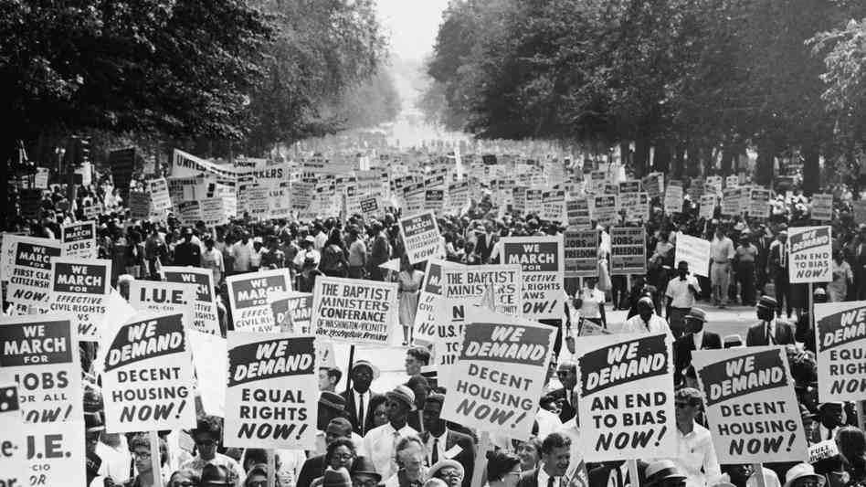 Le 28 août 1963: les manifestants descendent l'Avenue de la Constitution