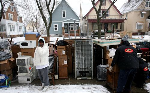 Ville de Milwaukee: «L'expulsion est devenue typique de la vie des femmes noires pauvres» (New York Times, 18 février 2010)