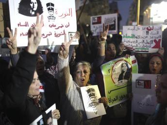 Février 2013: manifestation de femmes contre le harcèlement sexuel durant les manifestations.