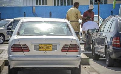 «Le luxe pointe son nez à Cuba» (AFP, 21 mars 2013)