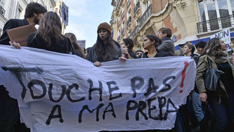 FRANCE-EDUCATION-STRIKE-GOVERNMENT-PROFESSOR