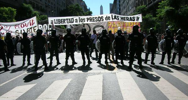 Mobilisation pour la libération des travailleurs du pétrole de Las Heras en décembre 2013