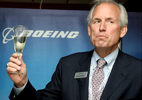 Jim McNerney, le patron de Boeing, gagne plus que Boeing paie d'impôts fédéraux...