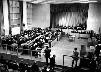 La salle du procès, Haus Gallus, à Francfort