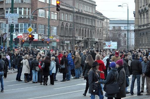 Des manifestants bloquent le principal carrefour de Sarajevo,  le 11 février 2014