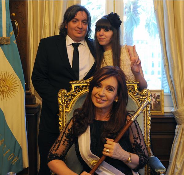 Cristina Kirchner accompagnée par son fils Maximo  et sa fille Florencia