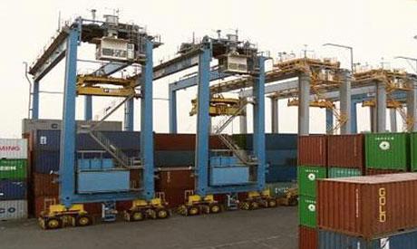 Les travailleurs port Ain Sokhna (Suez) en grève depuis le dimanche 27 avril: 950 travailleurs, dont 250 bloqués dans le port, entourés par la police (30 avril)