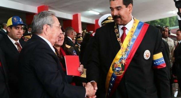 Raul Castro et Nicolas Maduro