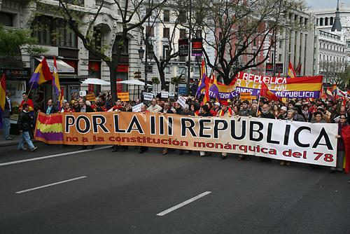 todos_los_aos_el_pueblo_espaol_marcha