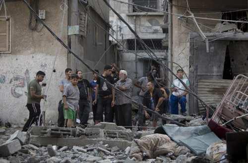 A Gaza, après un bombardement israélien, le 12 juillet 2014