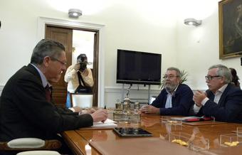 Le ministre Gallardon «face» à Toxo et Mendez