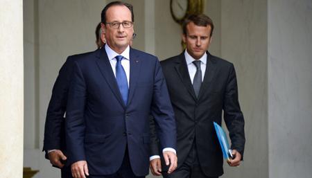 François Hollande et Emmanuel Macron, le 27 août 2014
