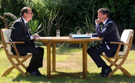 Hollande-Valls – le 15 août au Fort de Brégançon – préparent la feuille de déroute.