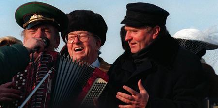 Jean-Marie Le Pen fête l'anniversaire de mariage de l'ultra-nationaliste Vladimir Jirinovski, déjà en 1996