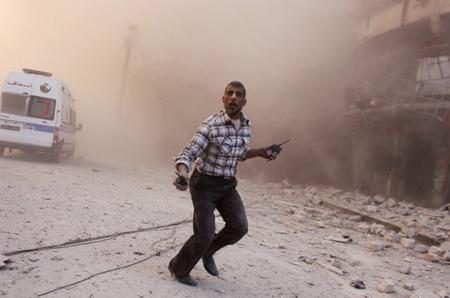 Largage de barils d'explosifs sur Idlib (novembre 2014)