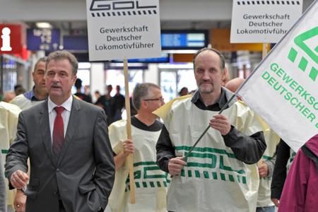 Claus Weselski et des grévistes de GDL
