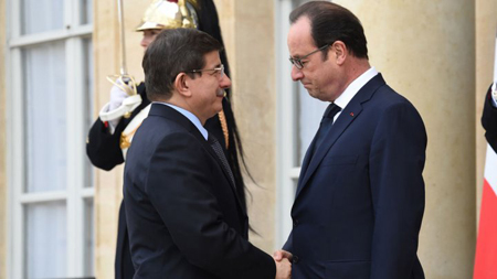 Ahmet Davutoglu reçu par François Hollande, le 11 janvier 2015