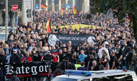 Manifestation à Dresde le 26 octobre 2014 des «Hooligans gegen Salafisten»