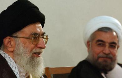 Ali Kamenei, le Guide suprême,  et Hassan Rohani