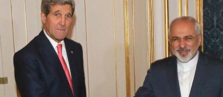 John Kerry, secrétaire d'Etat des Etats-Unis, et Mohammad Javad Zari, son homologue, à Vienne en novembre 2014