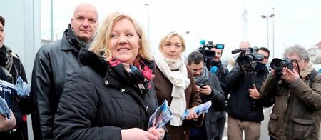 Sophie Montel, candidate du FN dans le Doubs, et Marine Le Pen